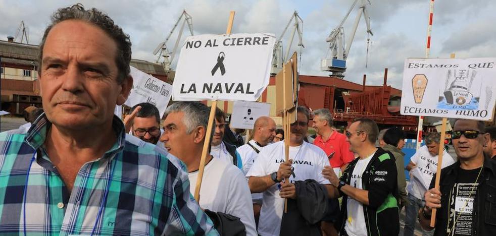 Una marcha recorre la Margen Izquierda bajo el lema 'La Naval no se cierra'