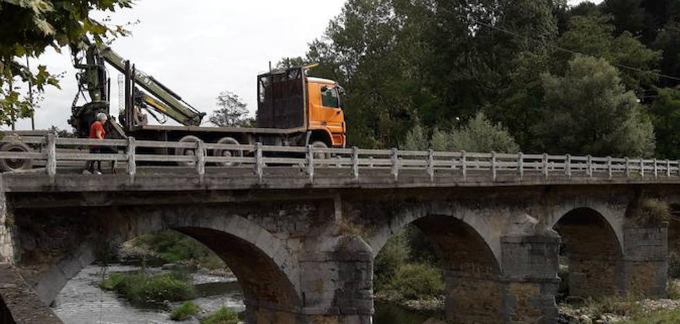 «Si un camión se queda atrapado y hay una urgencia no podemos abandonar Arakaldo»