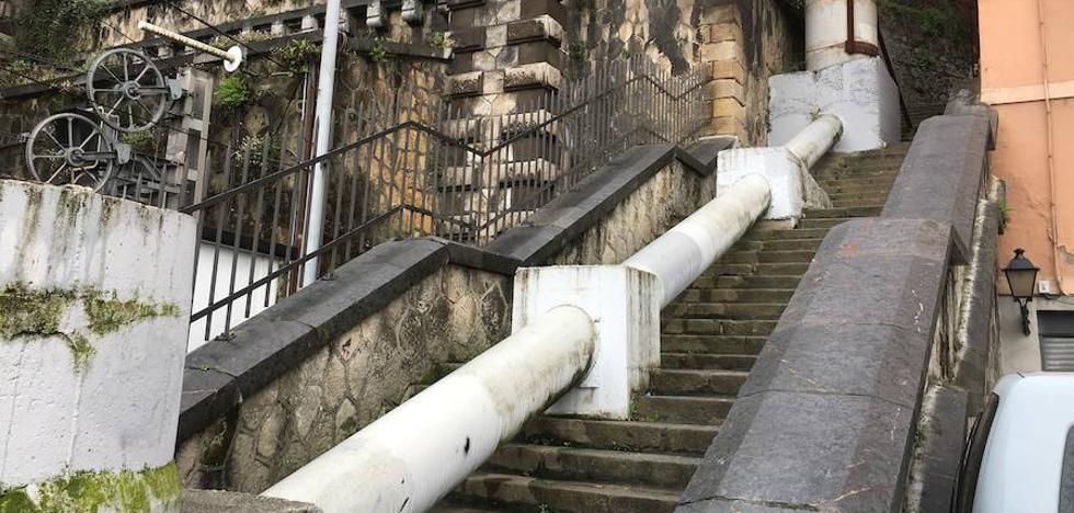 Portugalete arranca en octubre las obras para eliminar el colector de las escaleras de Renfe