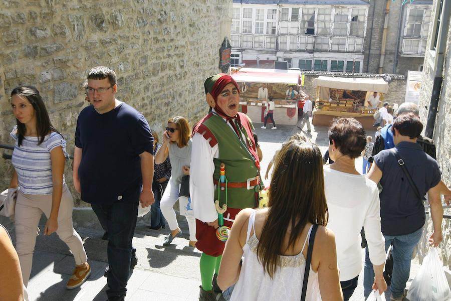 Un paseo por el Mercado Medieval de Vitoria