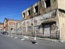 Erandio comienza a derribar los inmuebles en ruinas en el corazón del barrio de Altzaga