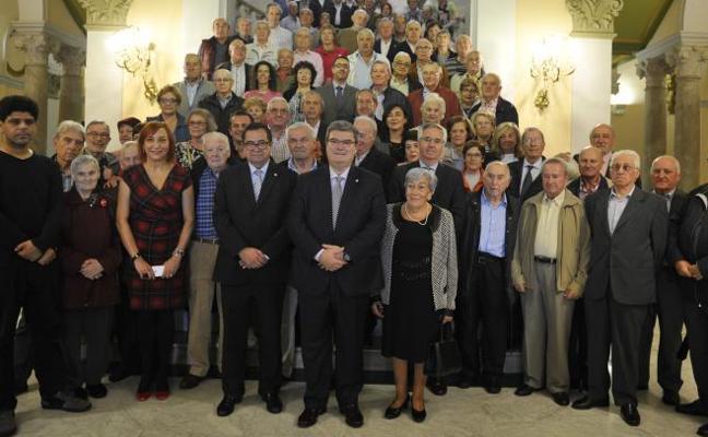 El Ayuntamiento premia a las asociaciones de jubilados de Bilbao
