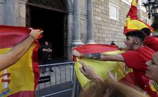 Decenas de manifestantes increpan a los Mossos tras la movilización en Barcelona