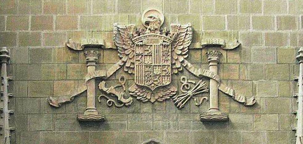Vitoria instalará placas explicativas en los símbolos y calles franquistas