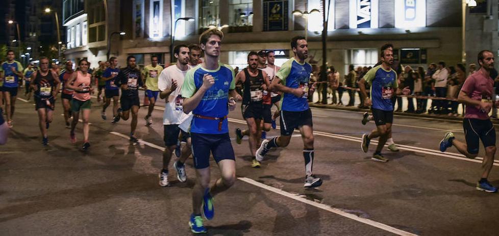 Más de 10.000 corredores de 49 países participarán en la maratón nocturna de Bilbao