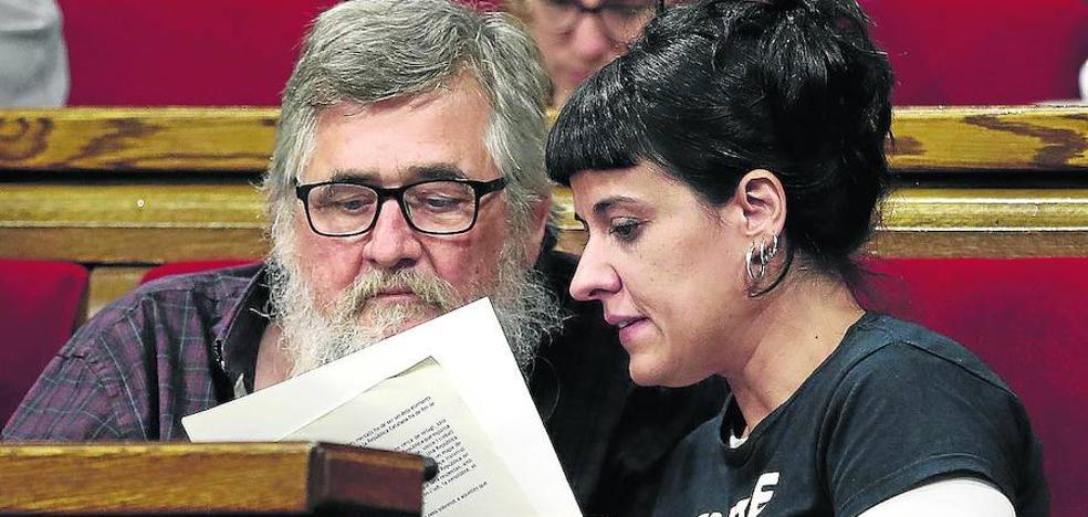 La CUP teme que el Govern se eche en brazos de Ada Colau
