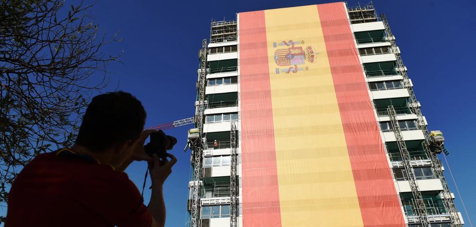 Catorce pisos de bandera española en Valdebebas