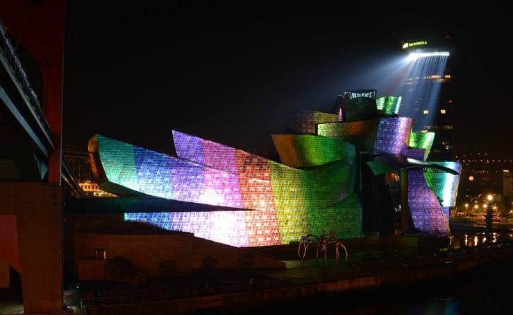 Ensayo del espectáculo 'Reflections' por el XX aniversario del Museo Guggenheim