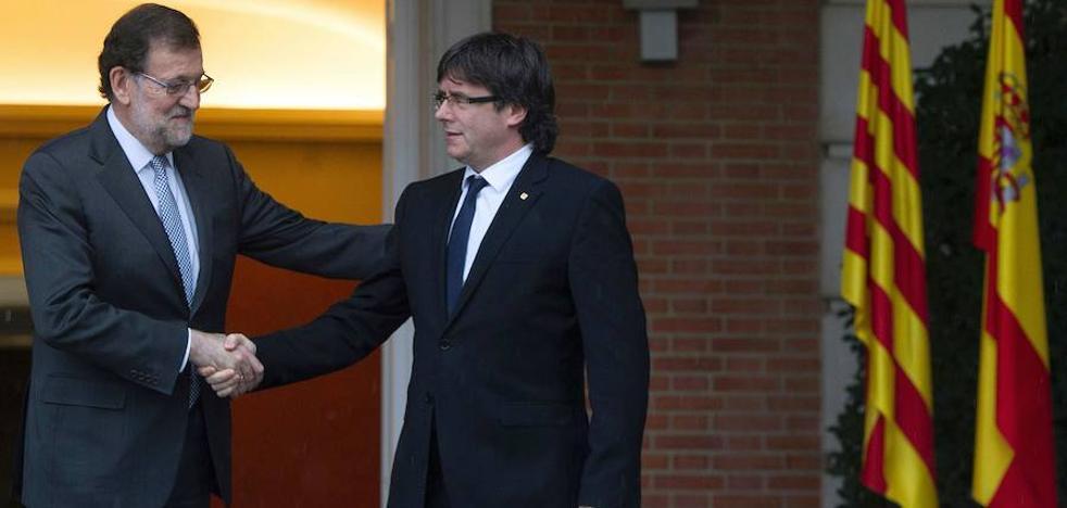 Rajoy pide a Puigdemont un «mínimo de generosidad» para «abrir vías de cara al futuro»
