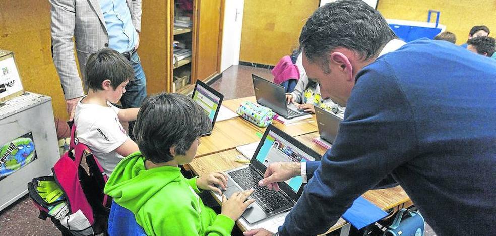 Una web permitirá a los padres de Euskadi ver las notas y faltas de sus hijos