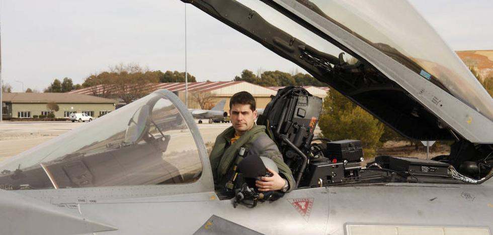 La «incomprensible» muerte del piloto de un 'caza' del Ejército que se estrelló tras el desfile del 12-O