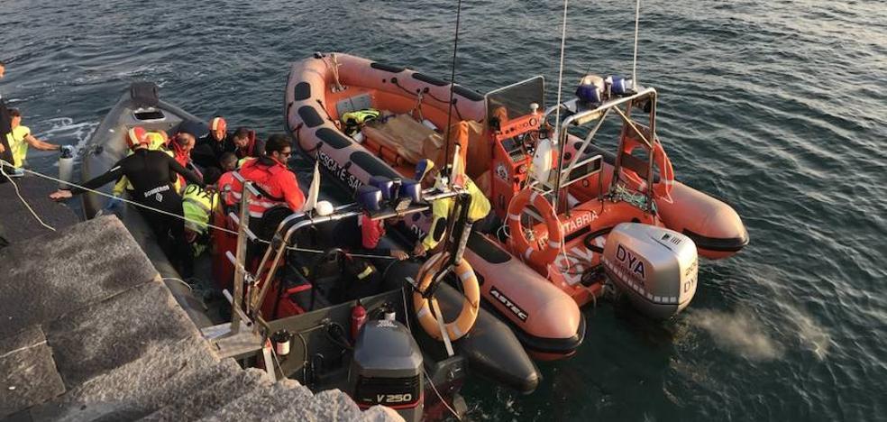 Fallece un pescador de Gallarta al ser arrastrado por una ola en Castro Urdiales