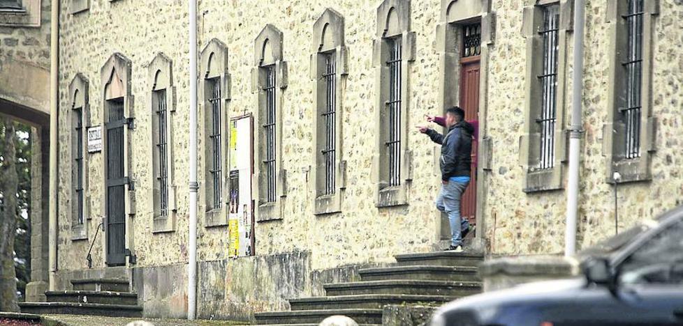Archivan el caso contra los acusados de tener relaciones con una menor tutelada en Vitoria