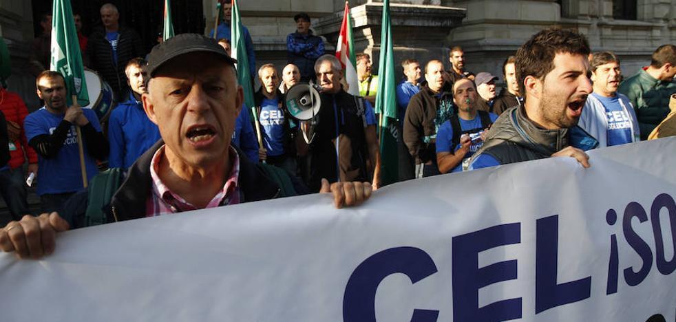 Trabajadores de CEL acamparán durante 24 horas frente al Palacio foral