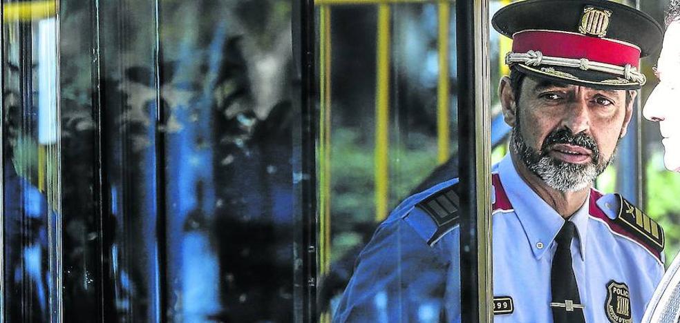 La Guardia Civil acusa a Trapero de ayudar a la celebración del 1-O