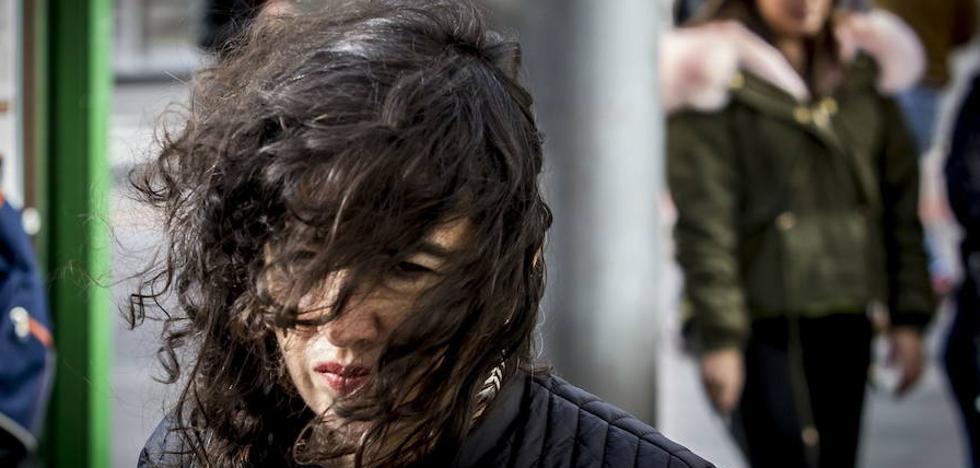 Aviso amarillo por viento en Euskadi debido a la proximidad del huracán 'Ophelia'