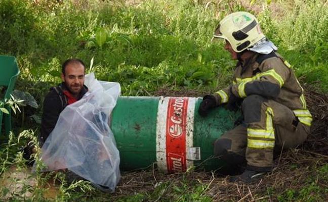 Desalojan del campamento 'okupa' de Ibarbengoa en Getxo