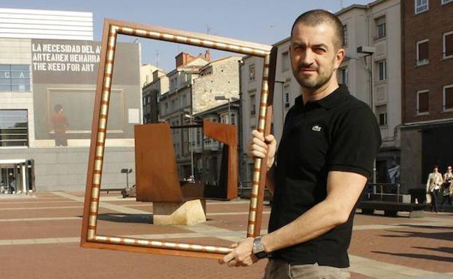 El artista Iñaki Larrimbe será el nuevo juntero de Podemos en Álava
