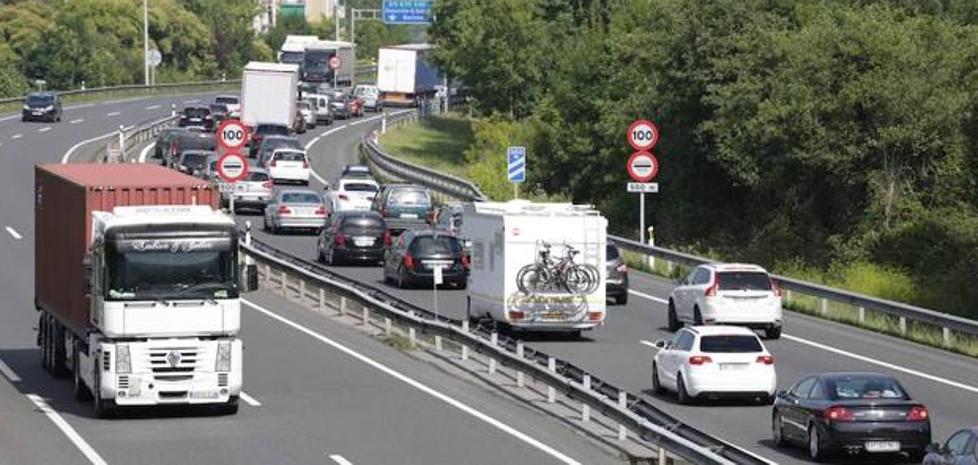 Bizkaia y Gipuzkoa acuerdan un gasto máximo de 45 euros al mes por el uso de las vías de peaje