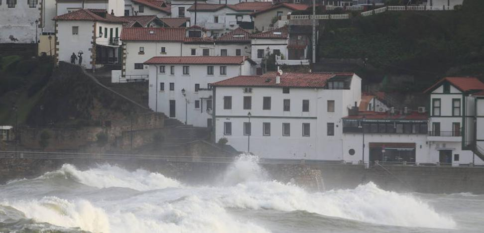 Aviso amarillo en Euskadi por olas de hasta cinco metros