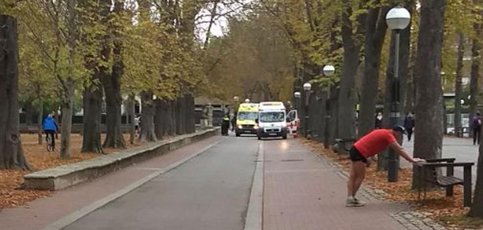 Ingresa en Santiago un ciclista tras sufrir un desvanecimiento junto a El Prado