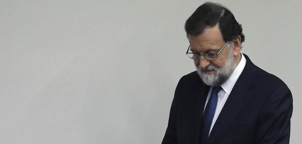Rajoy asume el gobierno de Cataluña
