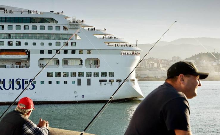 Adiós al último crucero de la temporada en Getxo