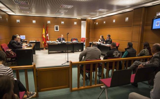 Condenados a abonar 100.000 euros los acusados de dejar morir a 25 caballos