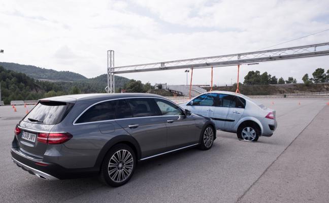Mercedes Clase E, sistemas de seguridad y asistencia a la conducción