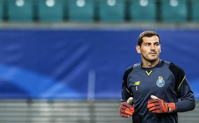 El entrenador del Oporto asegura que Iker es suplente porque no se entrena bien