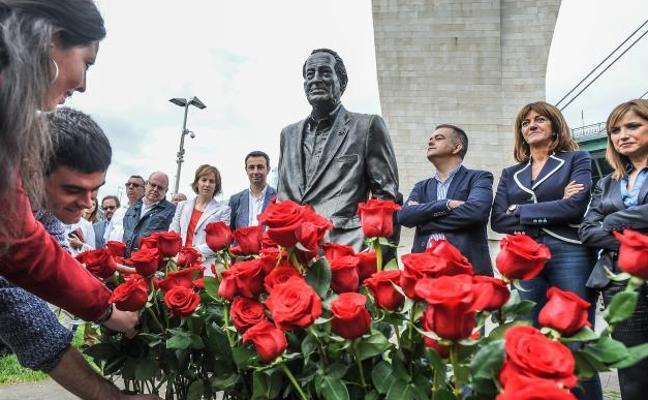 Mendia insiste en apelar al «diálogo y la sensatez» en Cataluña para evitar «el suicidio en directo de un país»