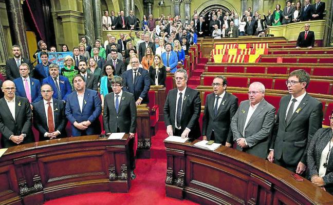 Rajoy responde a la independencia con elecciones catalanas el 21-D