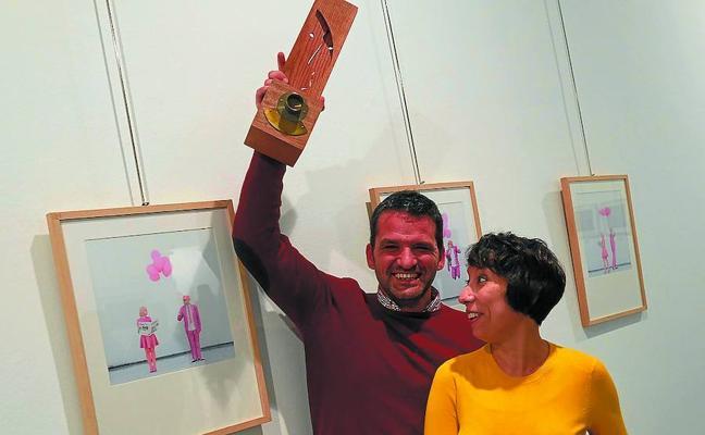 Premio de honor en color rosa, para la edición XXX del Indalecio Ojanguren