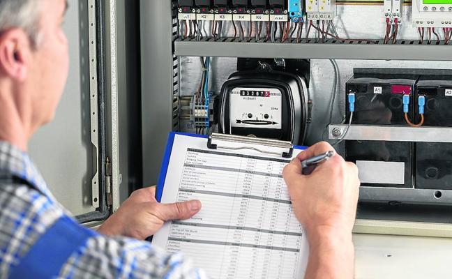 El mercado eléctrico ya anticipa subidas de la luz de hasta el 37% este invierno