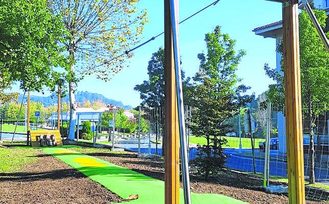 Loiu estrena parques infantiles en los barrios de Zabaloetxe y Larrondo