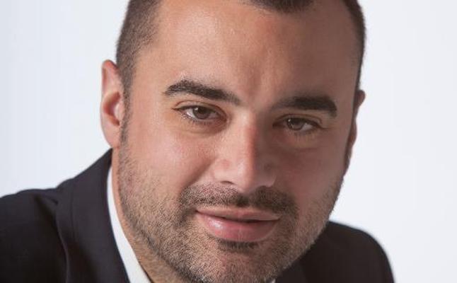 El socialista Jordi Ballart dimite como alcalde de Tarrasa y rompe el carné del PSC