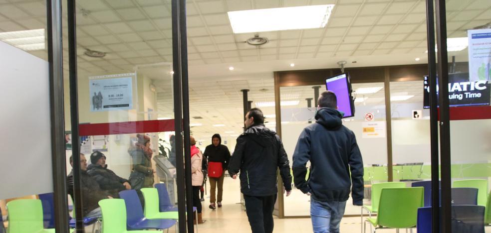 El paro baja 1.990 personas en Euskadi en octubre