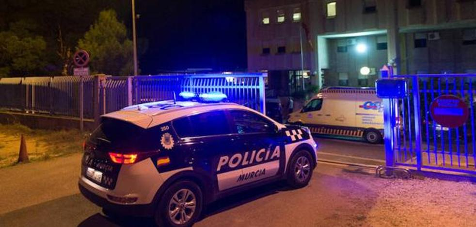 Unos 60 internos protagonizan otro intento de fuga en un CIE de Murcia