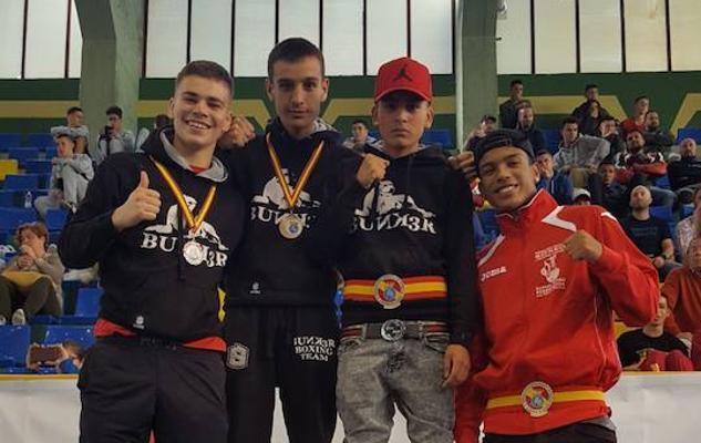 El etxebarritarra Iker Fernández se cuelga el bronce en el estatal de boxeo