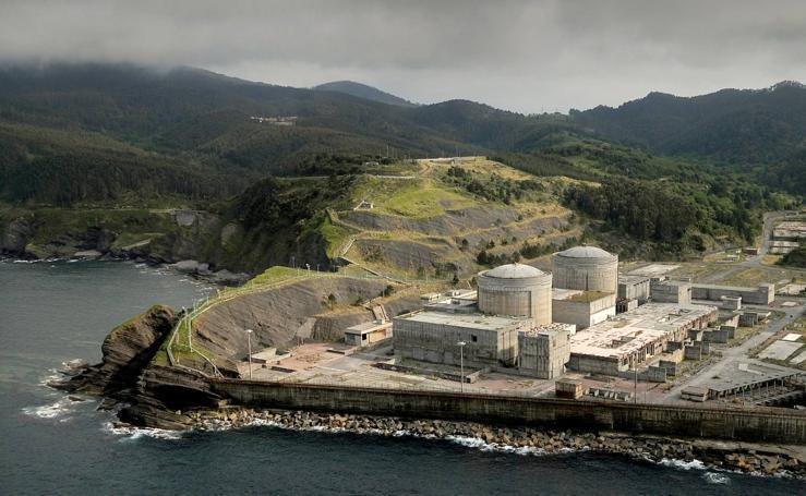 La antigua central nuclear de Lemoiz, en imágenes