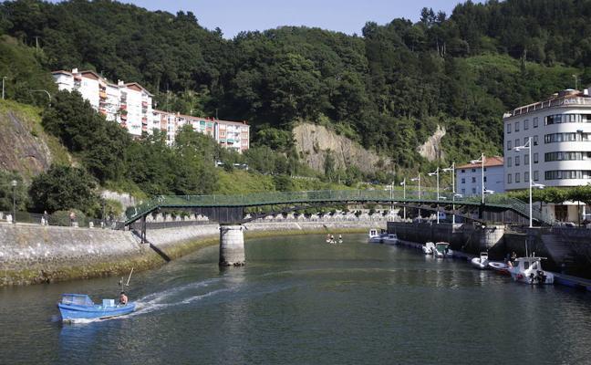 Ondarroa confía en abrir el puente de la playa al público el próximo verano