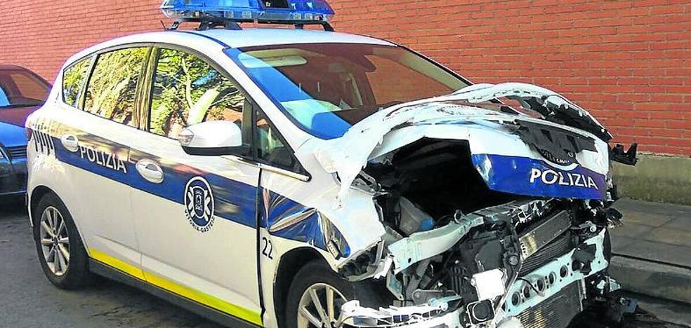 Dos policías locales de Vitoria heridos al ir a atender una urgencia