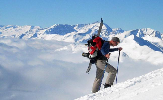 Un alpinista sobrevive cinco días en una grieta glacial en Austria