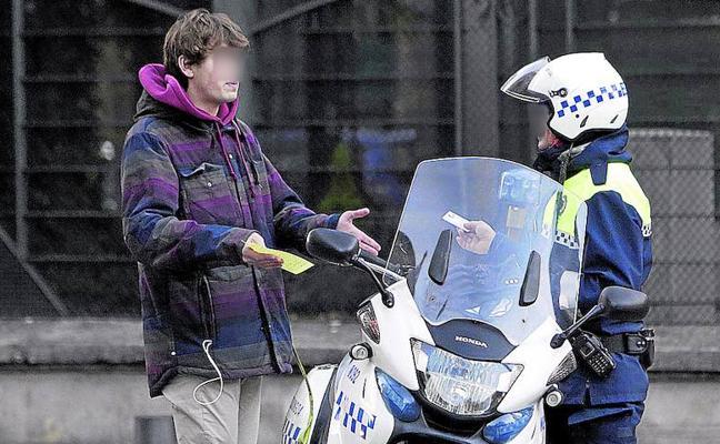 El Ayuntamiento de Vitoria avisa: «Estamos obligados a tramitar las multas»