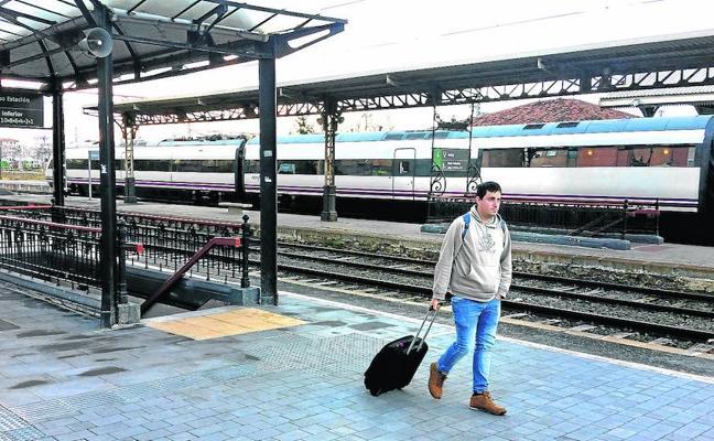 Hernando se reunirá con De la Serna a fin de lograr un «compromiso» sobre el AVE