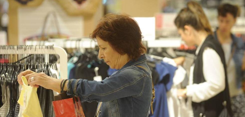 Siete de cada diez comercios catalanes sufrieron caída de ventas en octubre