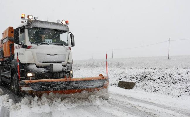 Álava estrenará seis nuevos quitanieves para mantener a punto la red viaria durante el invierno