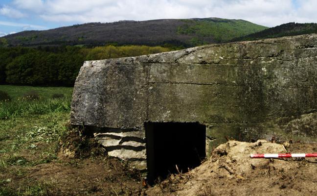 Las inscripciones en dos búnkeres de la Guerra Civil en Álava revelan quiénes ocuparon estos fortines