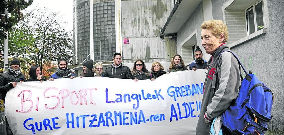 La plantilla de los polideportivos de Erandio sigue de huelga tras su cita con la adjudicataria