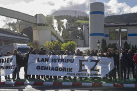 Trabajadores de Smurfit denuncian un «continuo goteo» de accidentes